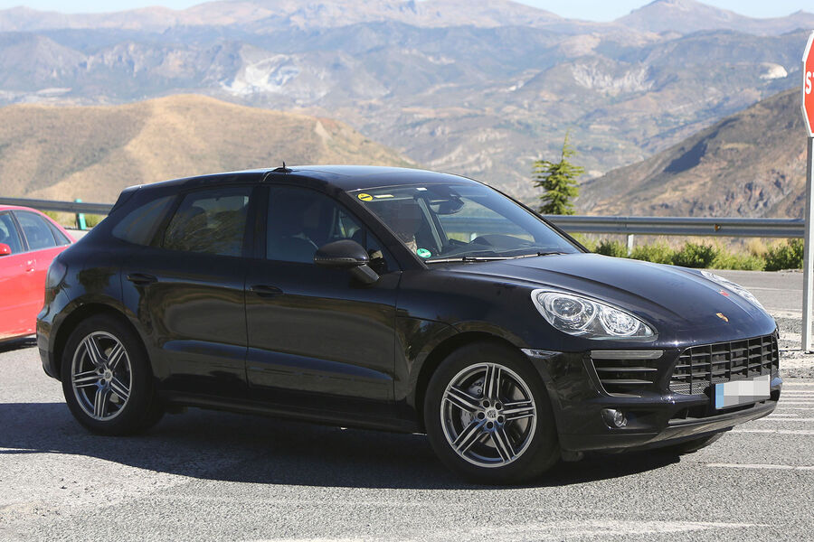 erlk nig porsche macan turbo fast konkurrenzloser power. Black Bedroom Furniture Sets. Home Design Ideas