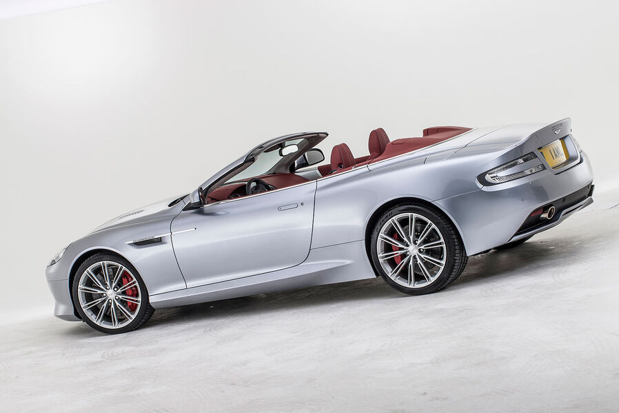 [Bild: 09-2012-Aston-Martin-DB9-Vantage-Volante...629596.jpg]