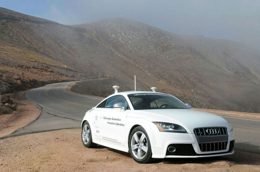Audi TT-S Pikes Peak Autonomes Fahren