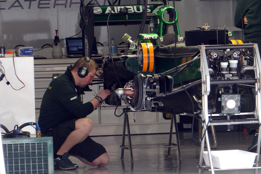 Caterham-Formel-1-GP-China-11-April-2013-19-fotoshowImageNew-bd39f22-675144.jpg