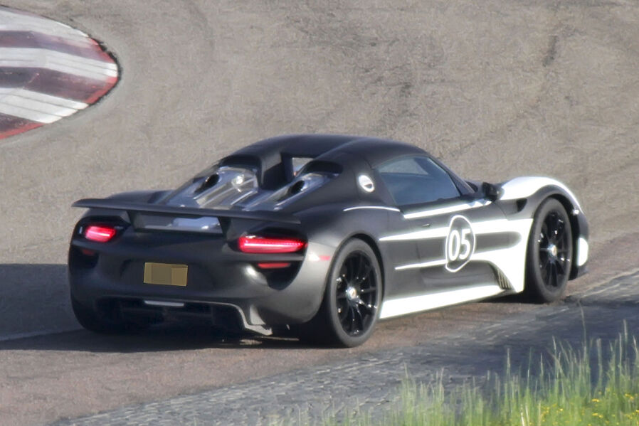 porsche testing with 918 spyder wild speed. Black Bedroom Furniture Sets. Home Design Ideas