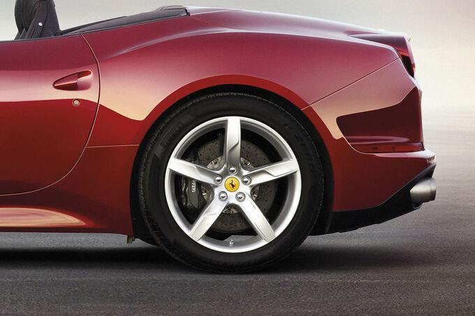 Ferrari-California-T-2014-fotoshowImage-6353681f-754695.jpg
