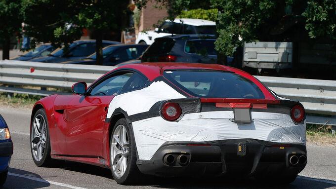 Ferrari F12 M Erlkönig