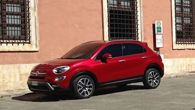 fiat 500x auf dem autosalon in paris kompakt suv kommt 2014 auto motor und sport. Black Bedroom Furniture Sets. Home Design Ideas