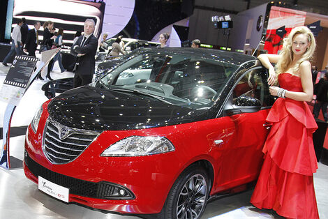 Girls Autosalon Genf 2012