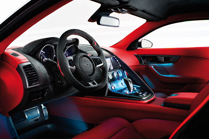 [Bild: Jaguar-C-X16-Innenraum-fotoshowImage-2fd7a00-530812.jpg]