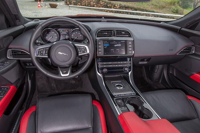 2014 - [Jaguar] XE [X760] - Page 19 Jaguar-XE-Cockpit-Instrumente-fotoshowImage-ea3cc7ef-838920