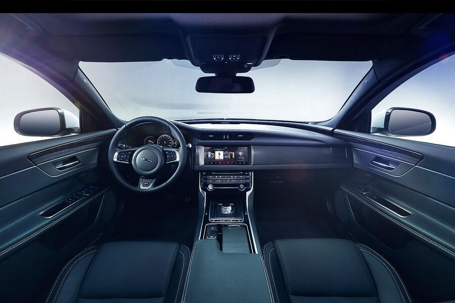 Jaguar-XF-fotoshowBigImage-28389f6d-850781.jpg