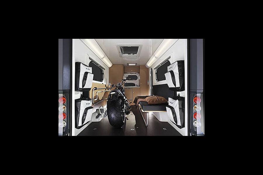designpreis der bundesrepublik deutschland mercedes sls erh lt design oscar 2011 bildergalerie. Black Bedroom Furniture Sets. Home Design Ideas