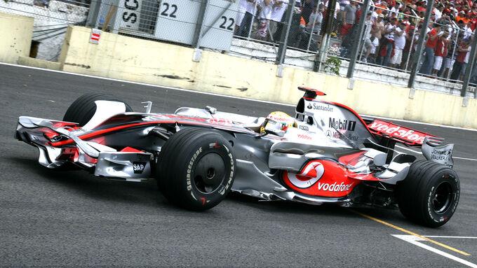 Pirelli sucht Testauto