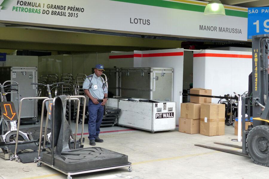 [Imagen: Lotus-Formel-1-GP-Brasilien-11-November-...909185.jpg]