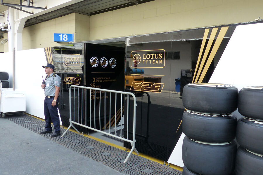 [Imagen: Lotus-Formel-1-GP-Brasilien-11-November-...909183.jpg]