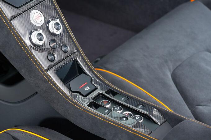 McLaren 650s Spider, Central console