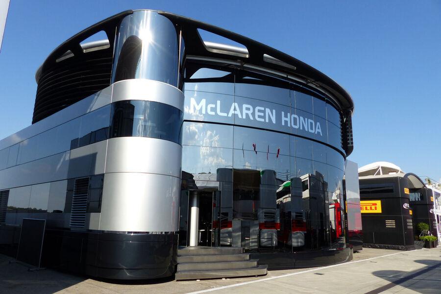 [Imagen: McLaren-Honda-GP-Ungarn-Budapest-Mittwoc...884188.jpg]