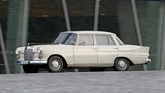 Mercedes-Benz 190, Seitenansicht