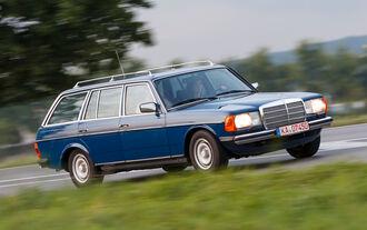Mercedes-Benz 230 TE, Seitenansicht