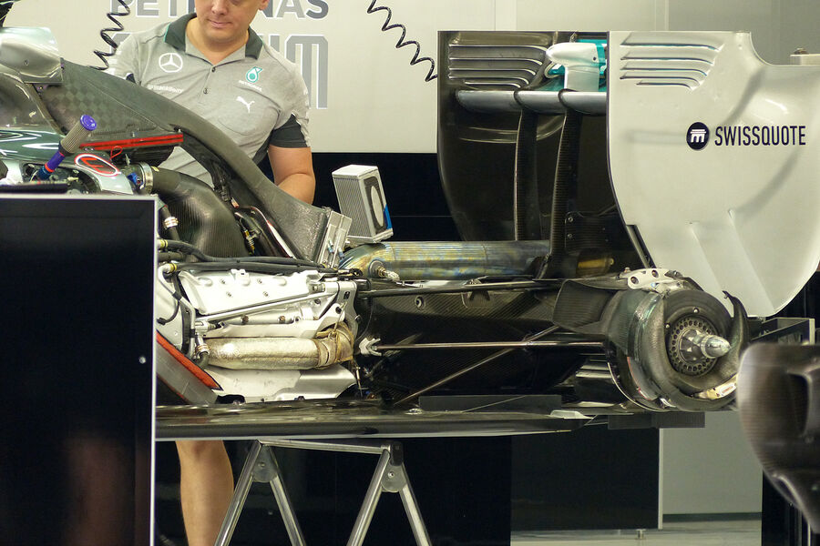 Mercedes-Formel-1-GP-Bahrain-Sakhir-3-Ap