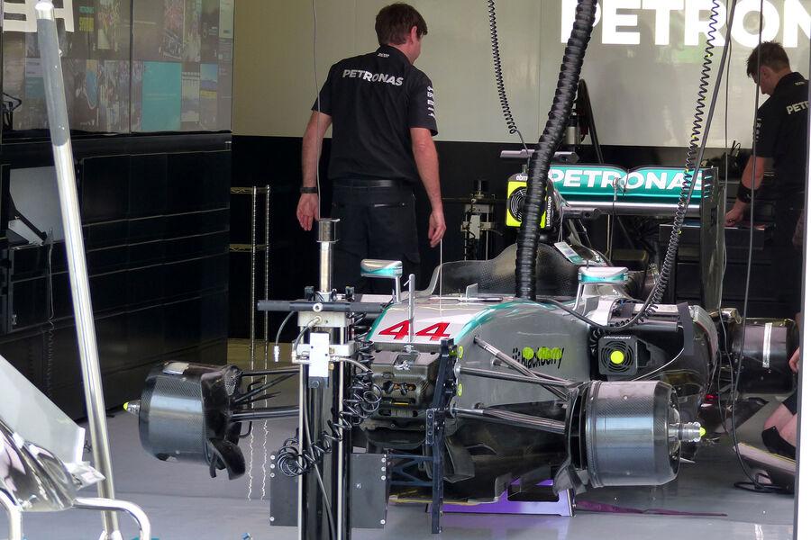 [Imagen: Mercedes-GP-Ungarn-Budapest-Freitag-24-7...884852.jpg]