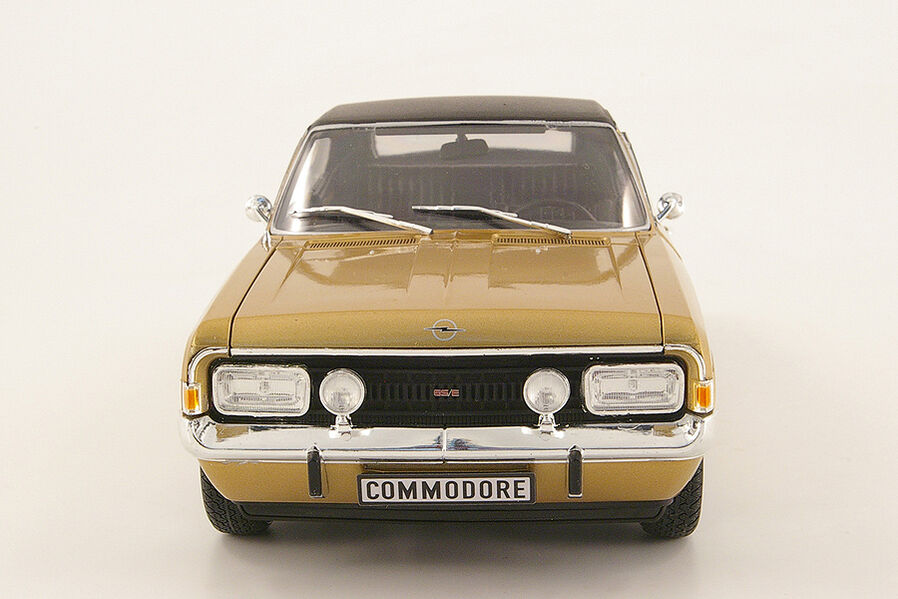 modellauto opel commodore a gs e coup in 118. Black Bedroom Furniture Sets. Home Design Ideas
