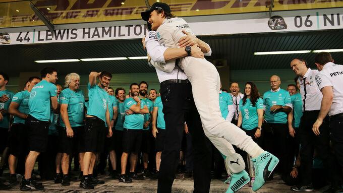 Hamilton-Sieg im Verbal-Duell