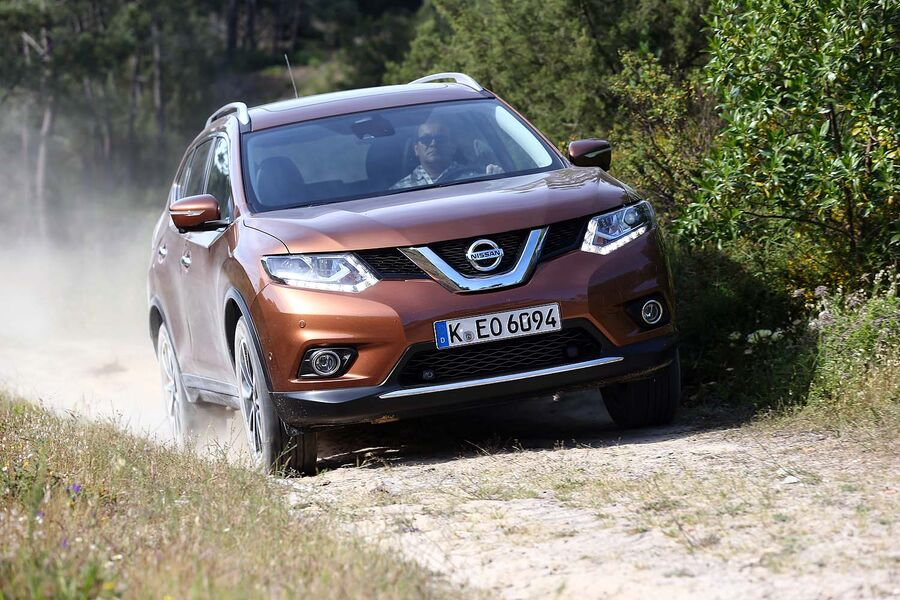 nissan x trail 2014 im ersten test bew hrungsprobe mit. Black Bedroom Furniture Sets. Home Design Ideas