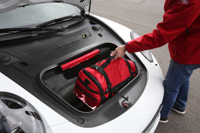 Porsche 911 Carrera GTS, Luggage compartment