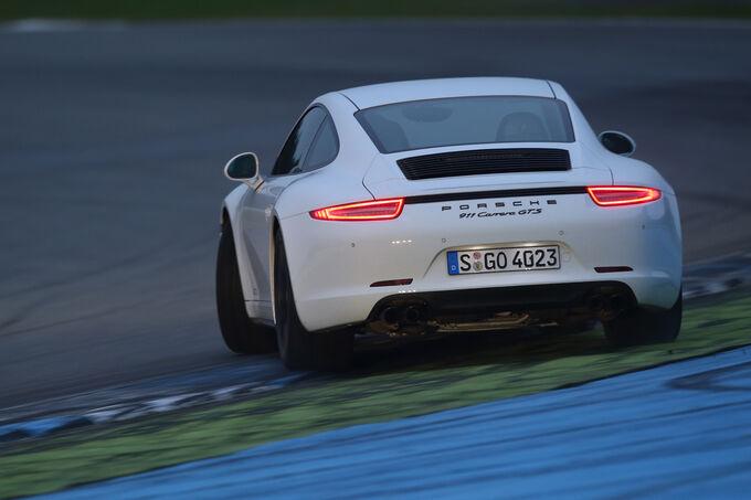 Porsche 911 Carrera GTS, Rear view