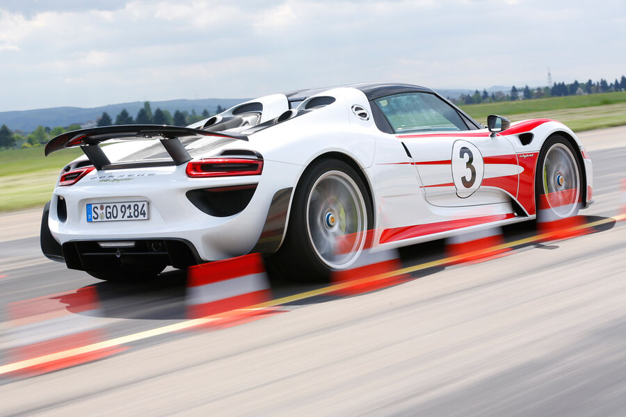 porsche 918 spyder hybrid sports car put to the test. Black Bedroom Furniture Sets. Home Design Ideas