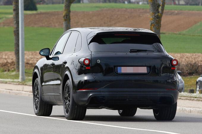 Porsche-Cayenne-Erlkoenig-fotoshowImage-581f9bb4-939704