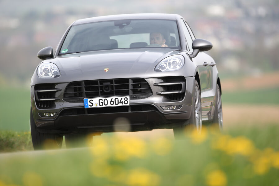 porsche macan turbo im test mini cayenne mit m chtig. Black Bedroom Furniture Sets. Home Design Ideas