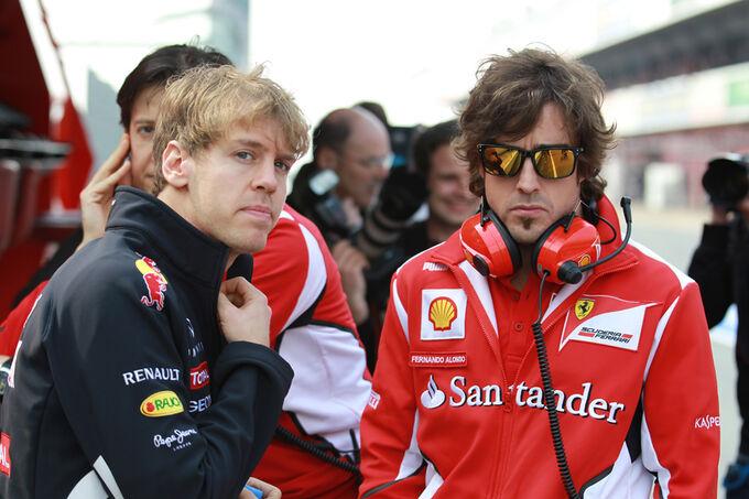 Sebastian-Vettel-Fernando-Alonso-Formel-1-Test-Barcelona-3-Maerz-2012-fotoshowImage-6998ac5f-574864.jpg