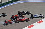 Sebastian Vettel - Ferrari - Daniil Kvyat - Red Bull - Start - Formel 1- GP Russland - 1. Mai 2016