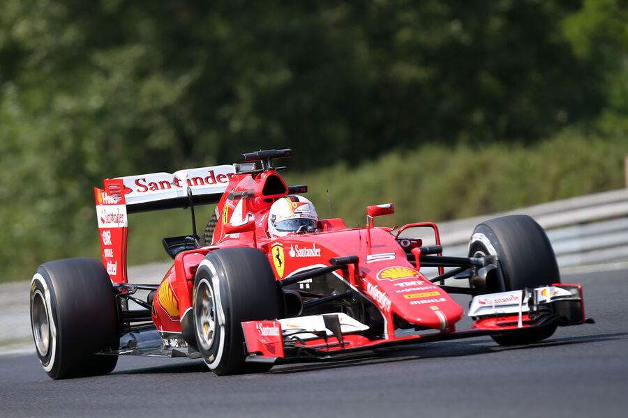 [Imagen: Sebastian-Vettel-Ferrari-GP-Ungarn-Budap...884886.jpg]