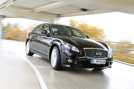 Serienfahrzeuge Limousinen bis 50 000 € - Infiniti M37