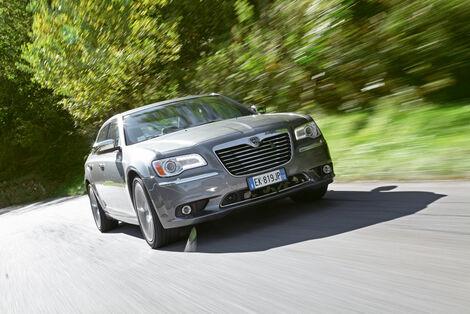 Serienfahrzeuge Limousinen bis 50 000 € - Lancia Thema
