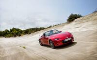 Sinn: Mazda-MX-5-Uhr
