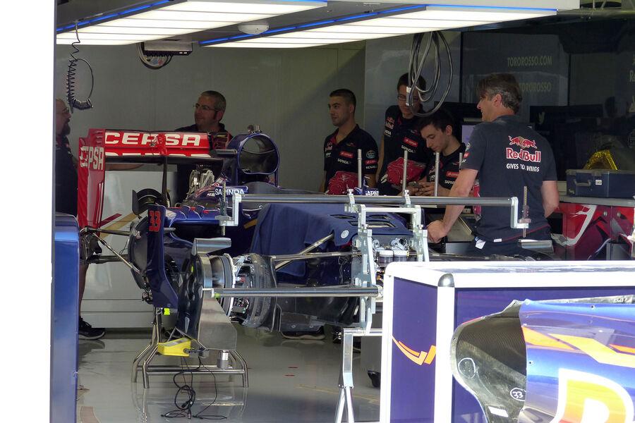 [Imagen: Toro-Rosso-GP-Ungarn-Budapest-Mittwoch-2...884160.jpg]