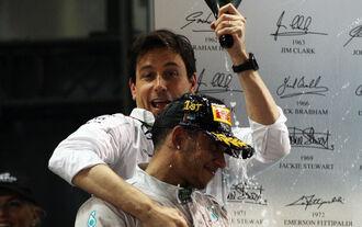 Mercedes-Chefs happy