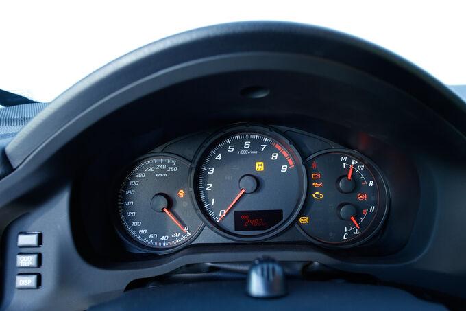 Toyota GT86 Pure, Rundinstrumente