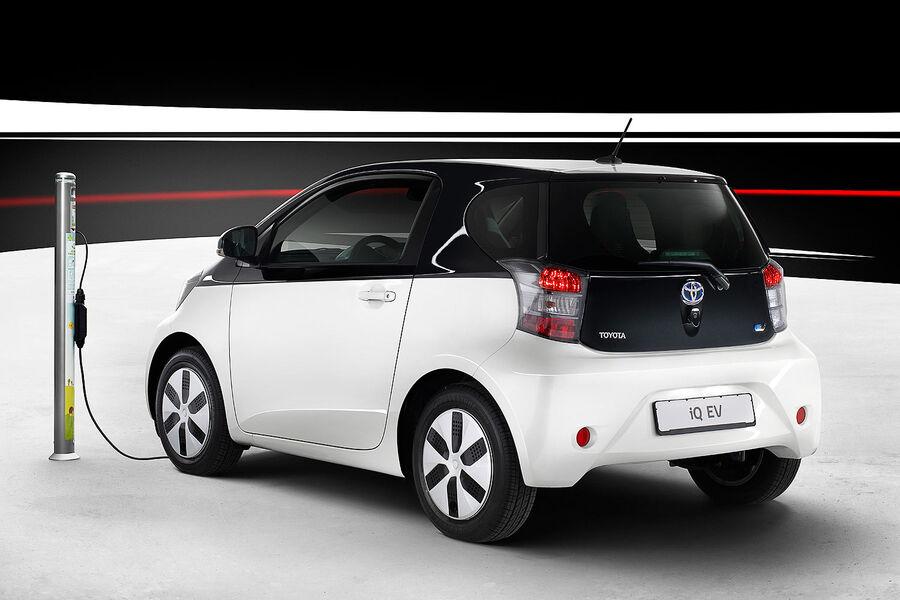 Toyota Iq Ev Auf Dem Autosalon Paris Serienreifer E