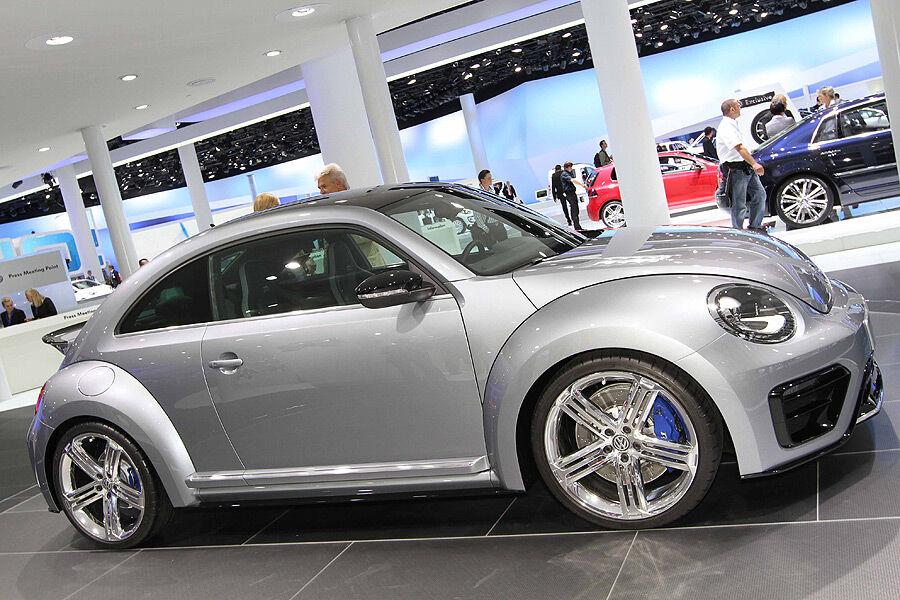 vw beetle r concept auf der iaa der beetle zeigt die z hne auto motor und sport. Black Bedroom Furniture Sets. Home Design Ideas