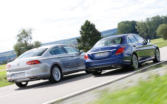 VW Passat GTE, Mercedes C 350 e, Heckansicht
